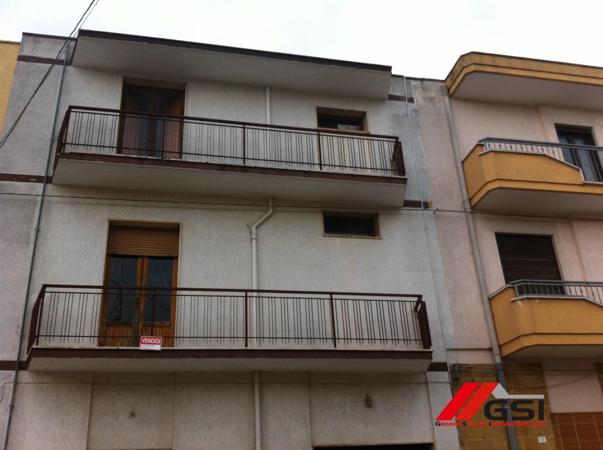 Villa in vendita a Carovigno, 10 locali, prezzo € 200.000 | CambioCasa.it
